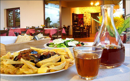 Cretan Cuisine: Stuffed eggplant at Taverna Vigla in Stavromenos
